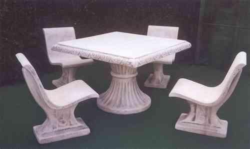 Set Monticchio - Tavolo + 4 Sedie in cemento